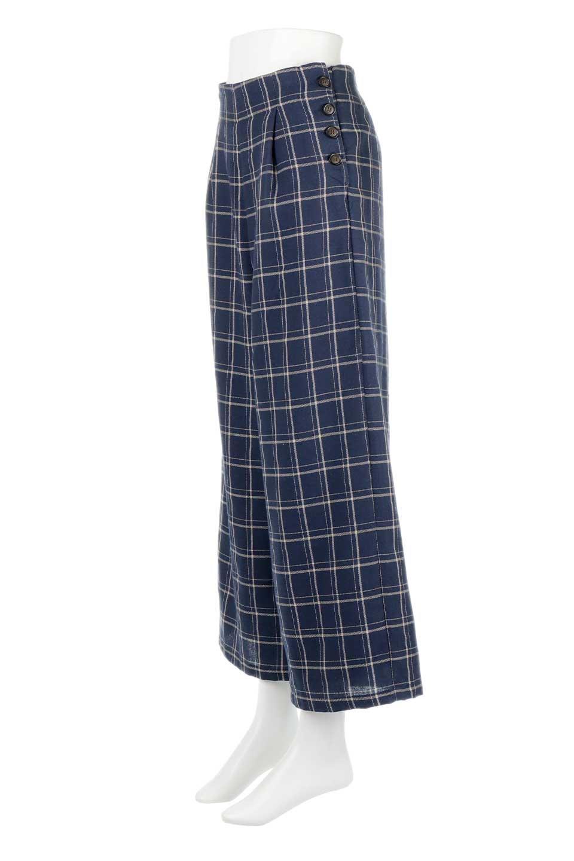 SideButtonWideCheckPantsサイドボタン・チェック柄ワイドパンツ大人カジュアルに最適な海外ファッションのothers(その他インポートアイテム)のボトムやパンツ。春らしいソフトな風合いの生地を使用したワイドパンツ。薄手の生地ですが裾まで裏地付きなので安心です。/main-16