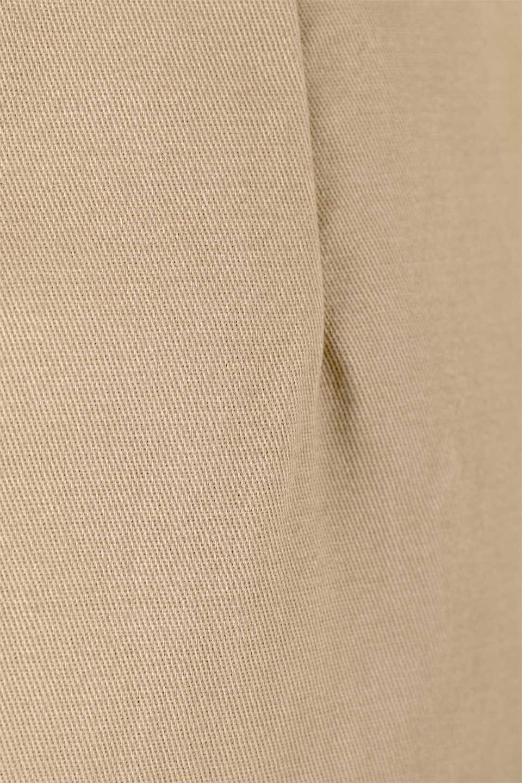 CottonTwillGurkhaSkirtミディ丈・グルカスカート大人カジュアルに最適な海外ファッションのothers(その他インポートアイテム)のボトムやスカート。ウエスト回りに特徴があるグルカの仕様をアレンジしたスカート。しっかりしたツイル生地なのでセミタイトのシルエットをきれいに見せてくれます。/main-19