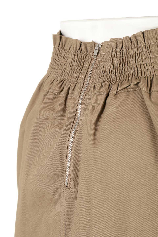 CottonTwillGurkhaSkirtミディ丈・グルカスカート大人カジュアルに最適な海外ファッションのothers(その他インポートアイテム)のボトムやスカート。ウエスト回りに特徴があるグルカの仕様をアレンジしたスカート。しっかりしたツイル生地なのでセミタイトのシルエットをきれいに見せてくれます。/main-21