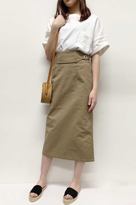 CottonTwillGurkhaSkirtミディ丈・グルカスカート大人カジュアルに最適な海外ファッションのothers(その他インポートアイテム)のボトムやスカート。ウエスト回りに特徴があるグルカの仕様をアレンジしたスカート。しっかりしたツイル生地なのでセミタイトのシルエットをきれいに見せてくれます。/main-24