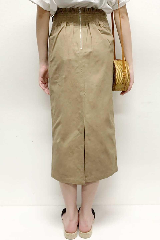 CottonTwillGurkhaSkirtミディ丈・グルカスカート大人カジュアルに最適な海外ファッションのothers(その他インポートアイテム)のボトムやスカート。ウエスト回りに特徴があるグルカの仕様をアレンジしたスカート。しっかりしたツイル生地なのでセミタイトのシルエットをきれいに見せてくれます。/main-26