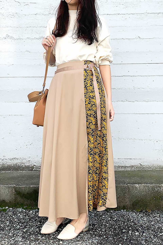 FloralPanelLongWrappedSkirt花柄切り替え・バイカラーラップスカート大人カジュアルに最適な海外ファッションのothers(その他インポートアイテム)のボトムやスカート。大胆な花柄の切り替えがアクセントのラップスカート。柔らかな素材でドレープ感が楽しめます。/main-17