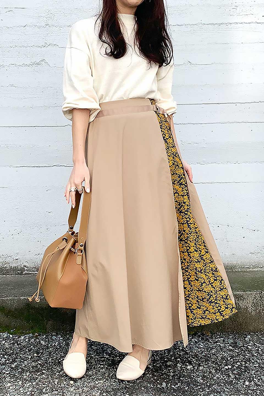 FloralPanelLongWrappedSkirt花柄切り替え・バイカラーラップスカート大人カジュアルに最適な海外ファッションのothers(その他インポートアイテム)のボトムやスカート。大胆な花柄の切り替えがアクセントのラップスカート。柔らかな素材でドレープ感が楽しめます。/main-18