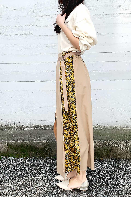 FloralPanelLongWrappedSkirt花柄切り替え・バイカラーラップスカート大人カジュアルに最適な海外ファッションのothers(その他インポートアイテム)のボトムやスカート。大胆な花柄の切り替えがアクセントのラップスカート。柔らかな素材でドレープ感が楽しめます。/main-19