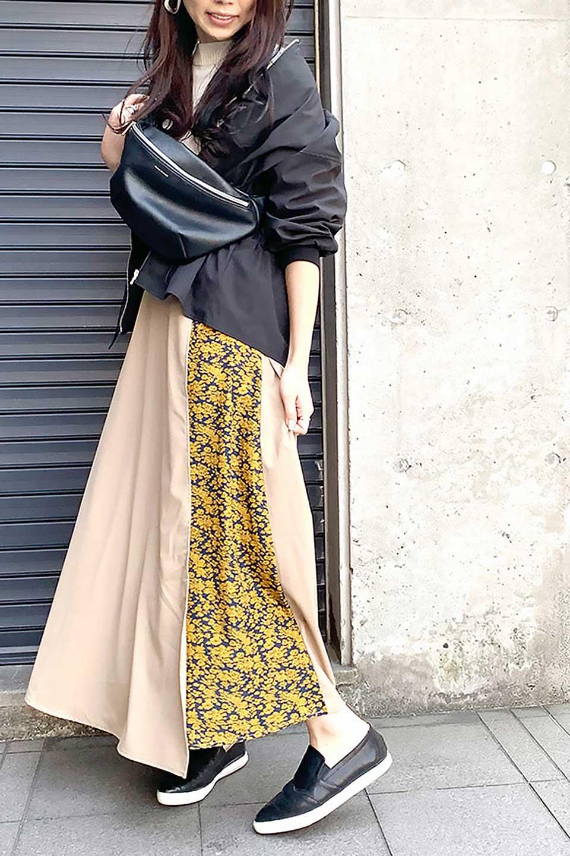 FloralPanelLongWrappedSkirt花柄切り替え・バイカラーラップスカート大人カジュアルに最適な海外ファッションのothers(その他インポートアイテム)のボトムやスカート。大胆な花柄の切り替えがアクセントのラップスカート。柔らかな素材でドレープ感が楽しめます。/main-22