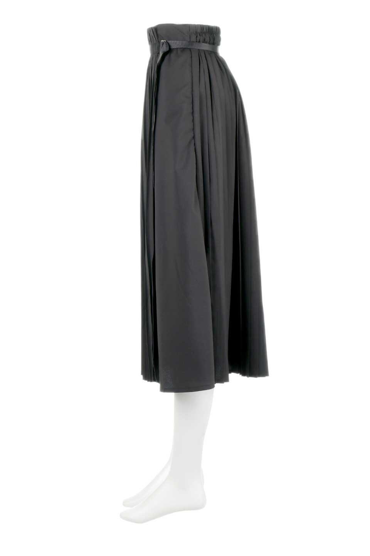 PleatedWrapSkirtプリーツ入り・ラップスカート大人カジュアルに最適な海外ファッションのothers(その他インポートアイテム)のボトムやスカート。柔らかく軽やかなポリエステル素材を使用したラッププリーツスカート。きれいなラインをキープしてくれる、程よいハリ感もおすすめポイントです。/main-12