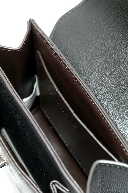 meliebiancoのLara(Black)ロングストラップ・スクエアショルダーバッグ/海外ファッション好きにオススメのインポートバッグとかばん、MelieBianco(メリービアンコ)のバッグやハンドバッグ。ミニバッグはカワイイけど財布が入らない・・・このバッグならお財布は要りません。コンパクトなボディにカードホルダーなどを備えたスグレモノです。/main-10