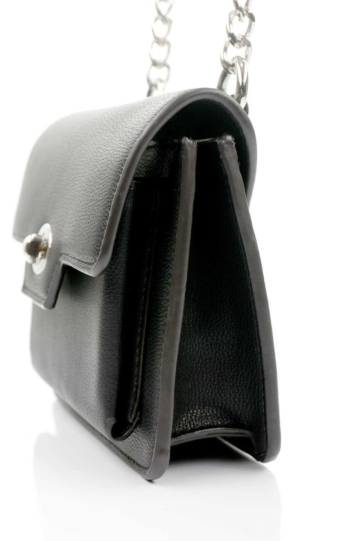 meliebiancoのLara(Black)ロングストラップ・スクエアショルダーバッグ/海外ファッション好きにオススメのインポートバッグとかばん、MelieBianco(メリービアンコ)のバッグやハンドバッグ。ミニバッグはカワイイけど財布が入らない・・・このバッグならお財布は要りません。コンパクトなボディにカードホルダーなどを備えたスグレモノです。/main-6