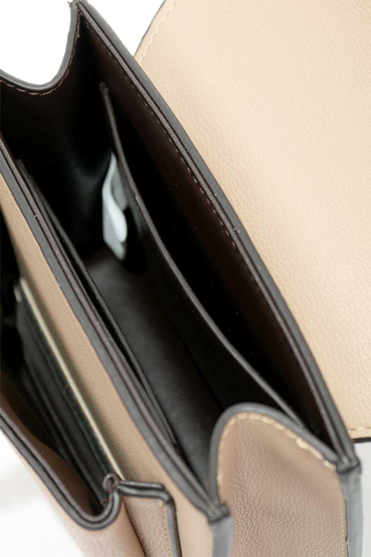 meliebiancoのLara(Nude)ロングストラップ・スクエアショルダーバッグ/海外ファッション好きにオススメのインポートバッグとかばん、MelieBianco(メリービアンコ)のバッグやハンドバッグ。ミニバッグはカワイイけど財布が入らない・・・このバッグならお財布は要りません。コンパクトなボディにカードホルダーなどを備えたスグレモノです。/main-12