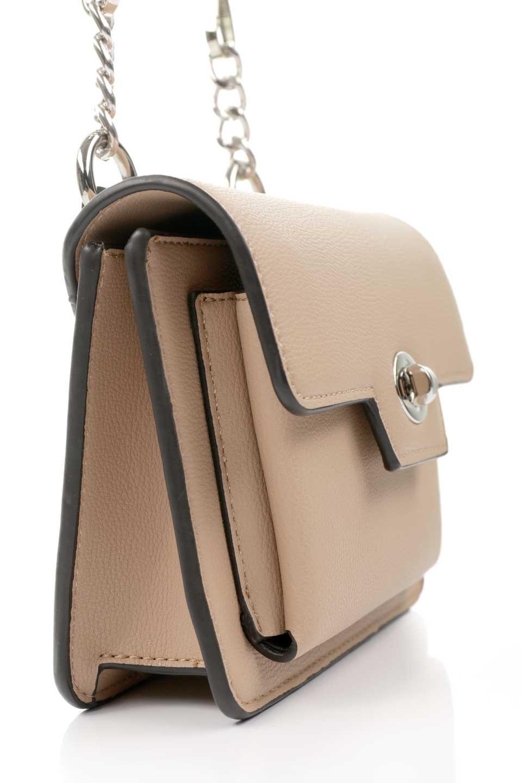 meliebiancoのLara(Nude)ロングストラップ・スクエアショルダーバッグ/海外ファッション好きにオススメのインポートバッグとかばん、MelieBianco(メリービアンコ)のバッグやハンドバッグ。ミニバッグはカワイイけど財布が入らない・・・このバッグならお財布は要りません。コンパクトなボディにカードホルダーなどを備えたスグレモノです。/main-7