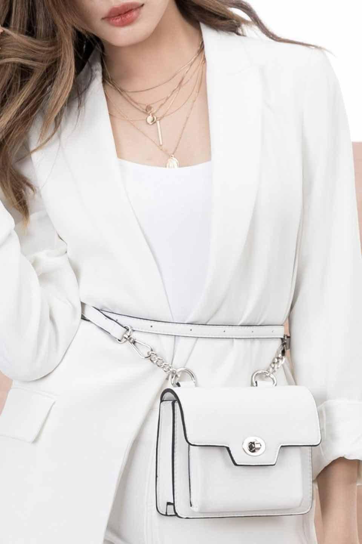 meliebiancoのLara(White)ロングストラップ・スクエアショルダーバッグ/海外ファッション好きにオススメのインポートバッグとかばん、MelieBianco(メリービアンコ)のバッグやハンドバッグ。ミニバッグはカワイイけど財布が入らない・・・このバッグならお財布は要りません。コンパクトなボディにカードホルダーなどを備えたスグレモノです。/main-13