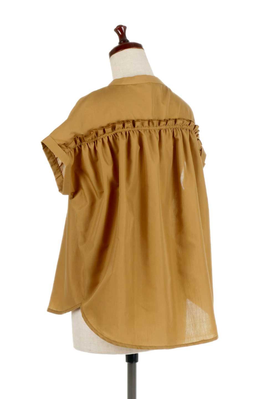 BackGatheredLoseBlouseバックギャザー・半袖ブラウス大人カジュアルに最適な海外ファッションのothers(その他インポートアイテム)のトップスやシャツ・ブラウス。春の装いにピッタリの大きめブラウス。背中のギャザーがバックスタイルを可愛く見せてくれます。/main-13