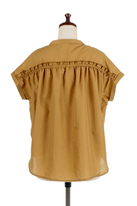 BackGatheredLoseBlouseバックギャザー・半袖ブラウス大人カジュアルに最適な海外ファッションのothers(その他インポートアイテム)のトップスやシャツ・ブラウス。春の装いにピッタリの大きめブラウス。背中のギャザーがバックスタイルを可愛く見せてくれます。/main-14