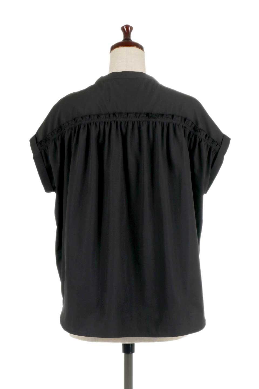 BackGatheredLoseBlouseバックギャザー・半袖ブラウス大人カジュアルに最適な海外ファッションのothers(その他インポートアイテム)のトップスやシャツ・ブラウス。春の装いにピッタリの大きめブラウス。背中のギャザーがバックスタイルを可愛く見せてくれます。/main-19