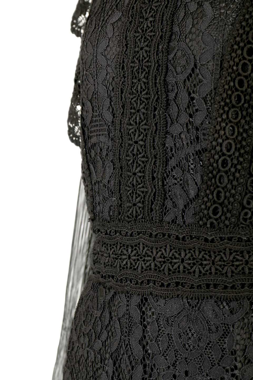 LongSleeveFullLaceDressハイネック・フルレースワンピース大人カジュアルに最適な海外ファッションのothers(その他インポートアイテム)のワンピースやミディワンピース。低めのハイネックが可愛いミディ丈レースワンピース。袖には腕が細く見えるようなレースを用いて全体的にスッキリしたシルエットになっています。/main-12