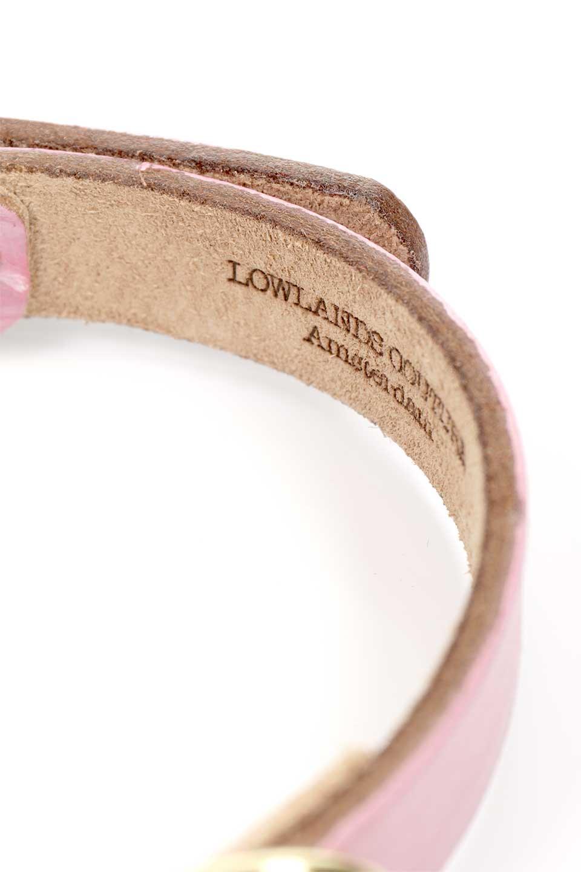LowlandsCOUTUREのMilkyPinkミルキーピンク・本革ドッグカラー/LowlandsCoutureのドッググッズや。ホワイトとピンクでエイジングを表現したカラーが特徴の本革ドッグカラー。かすれた風合いと型押しレザーの組み合わせが可愛い首輪。/main-7