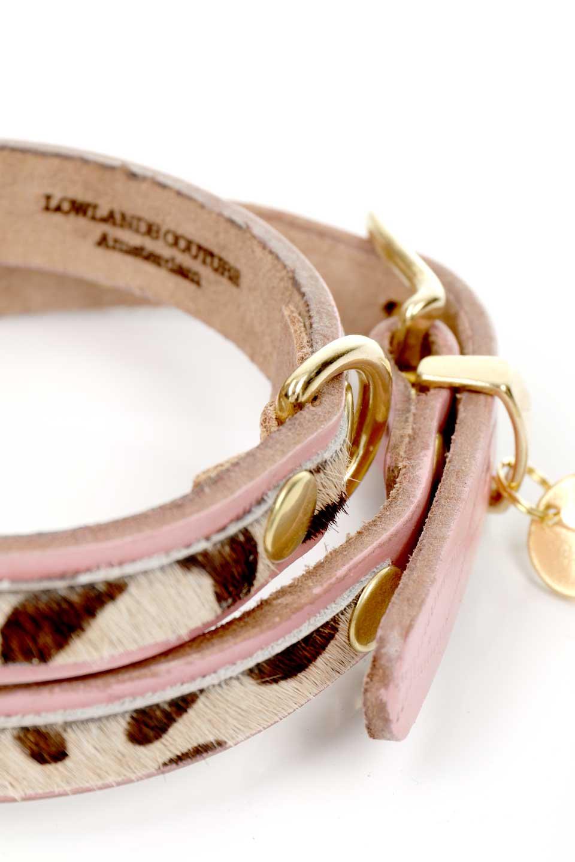 LowlandsCOUTUREのWildRomance#1ワイルドロマンス#1・本革ドッグカラー/LowlandsCoutureのドッググッズや。エイジング加工のレザーとハラコの組み合わせが可愛い本革ドッグカラー。淡いピンクとダルメシアン柄のコントラストが目を引きワンちゃんを引き立ててくれます。/main-3