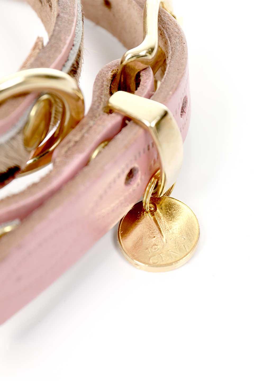 LowlandsCOUTUREのWildRomance#1ワイルドロマンス#1・本革ドッグカラー/LowlandsCoutureのドッググッズや。エイジング加工のレザーとハラコの組み合わせが可愛い本革ドッグカラー。淡いピンクとダルメシアン柄のコントラストが目を引きワンちゃんを引き立ててくれます。/main-5