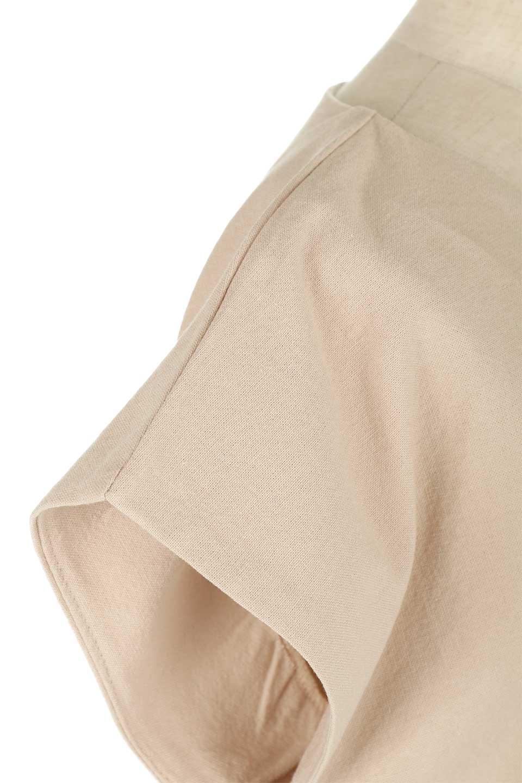 BackRibbonFrenchSleeveBlouseバックリボン付き・フレンチスリーブブラウス大人カジュアルに最適な海外ファッションのothers(その他インポートアイテム)のトップスやシャツ・ブラウス。短めのフレンチスリーブのリネンタッチ生地のブラウス。シンプルなボックス型のシルエットに腰部分のリボンのアクセントが可愛いアイテムです。/main-23