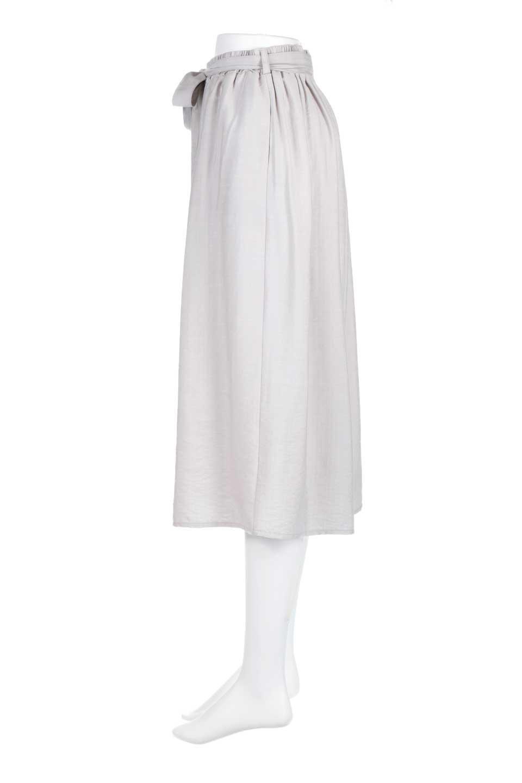 WideLegCroppedPantsクロップ丈・ワイドパンツ大人カジュアルに最適な海外ファッションのothers(その他インポートアイテム)のボトムやパンツ。サラリとした肌触りの短めワイドパンツ。レーヨン混でやや光沢のあるテロテロ素材が人気のアイテム。/main-7