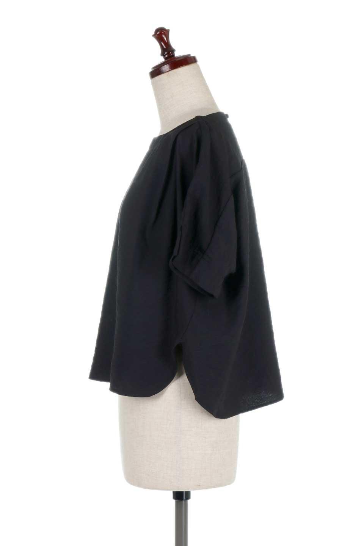 FrontTuckShortSleeveBlouseフロントタックブラウス大人カジュアルに最適な海外ファッションのothers(その他インポートアイテム)のトップスやシャツ・ブラウス。大きめシルエットで抜け感のある半袖ブラウス。短め丈なのでインでもアウトでも楽しめます。/main-17