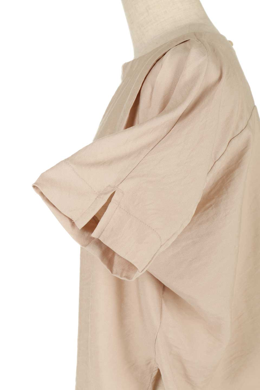 FrontTuckShortSleeveBlouseフロントタックブラウス大人カジュアルに最適な海外ファッションのothers(その他インポートアイテム)のトップスやシャツ・ブラウス。大きめシルエットで抜け感のある半袖ブラウス。短め丈なのでインでもアウトでも楽しめます。/main-25