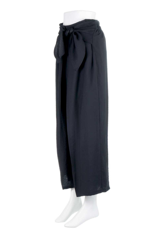 FrontRibbonDeepTuckWidePantsリボン付き・ワイドタックパンツ大人カジュアルに最適な海外ファッションのothers(その他インポートアイテム)のボトムやパンツ。フロントのリボンが特徴のワイドパンツ。ソフトな生地を使用した涼しげなアイテム。/main-16