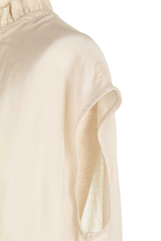 FrilledNeckSleevelessBlouseギャザーネック・ノースリーブブラウス大人カジュアルに最適な海外ファッションのothers(その他インポートアイテム)のトップスやシャツ・ブラウス。フリルの首元が可愛いノースリーブブラウス。ゆったりシルエットですがウエストのギャザーが引き締めてくれます。/main-23