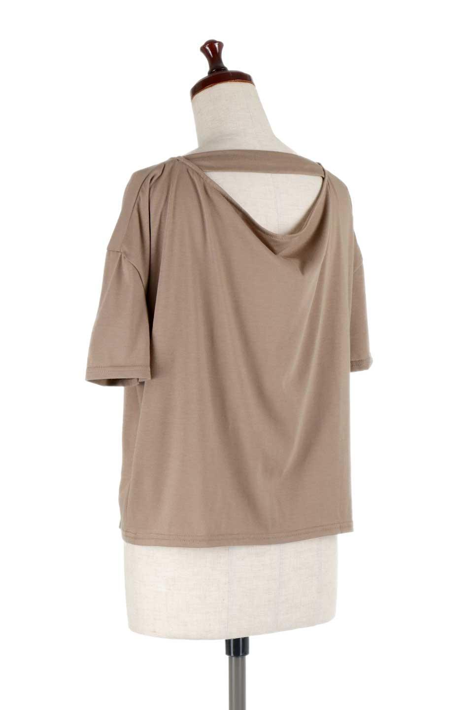 DrapeBackPull-overTopバックドレープ・カットソー大人カジュアルに最適な海外ファッションのothers(その他インポートアイテム)のトップスやシャツ・ブラウス。背中のドレープ感が可愛い半袖カットソー。やや厚めのTシャツ素材でこれからの季節におすすめのアイテムです。/main-13