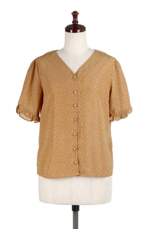 VNeckDottedBlouseVネック・ドットプリントブラウス大人カジュアルに最適な海外ファッションのothers(その他インポートアイテム)のトップスやシャツ・ブラウス。ランダムなドット柄が可愛いVネックのブラウス。半端丈の袖とスクエアタイプの裾が独特な雰囲気のアイテムです。/main-5