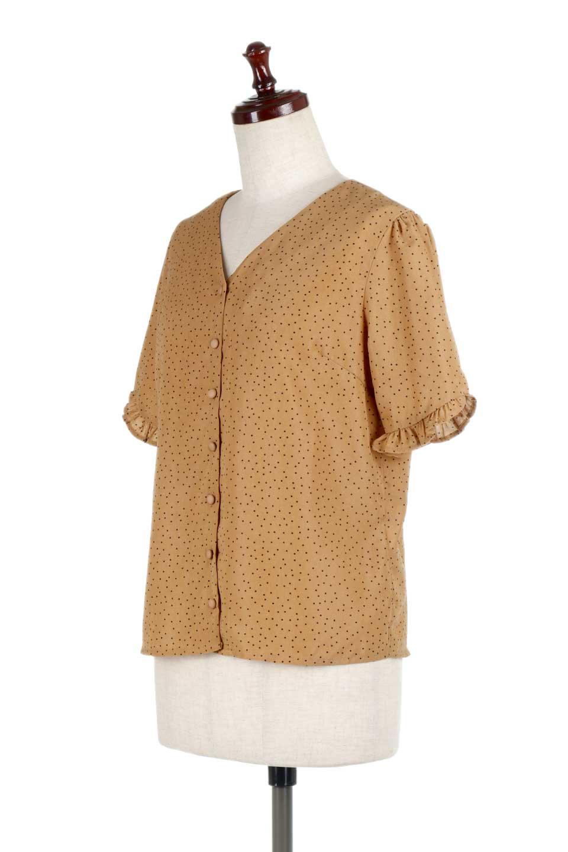 VNeckDottedBlouseVネック・ドットプリントブラウス大人カジュアルに最適な海外ファッションのothers(その他インポートアイテム)のトップスやシャツ・ブラウス。ランダムなドット柄が可愛いVネックのブラウス。半端丈の袖とスクエアタイプの裾が独特な雰囲気のアイテムです。/main-6