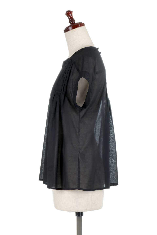ShortSleeveTuckBlouseタック入り・半袖ブラウス大人カジュアルに最適な海外ファッションのothers(その他インポートアイテム)のトップスやシャツ・ブラウス。前後のタックがアクセントの大きめブラウス。あえてのスケ感がとても可愛いアイテムです。/main-17