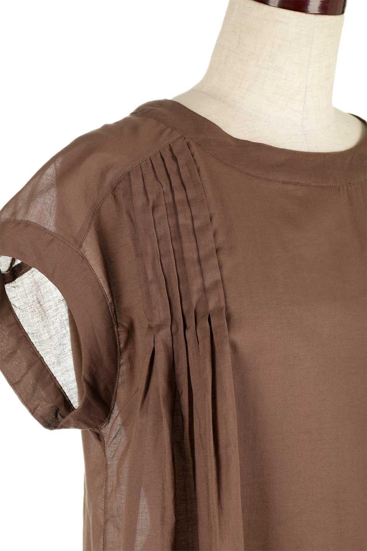 ShortSleeveTuckBlouseタック入り・半袖ブラウス大人カジュアルに最適な海外ファッションのothers(その他インポートアイテム)のトップスやシャツ・ブラウス。前後のタックがアクセントの大きめブラウス。あえてのスケ感がとても可愛いアイテムです。/main-21