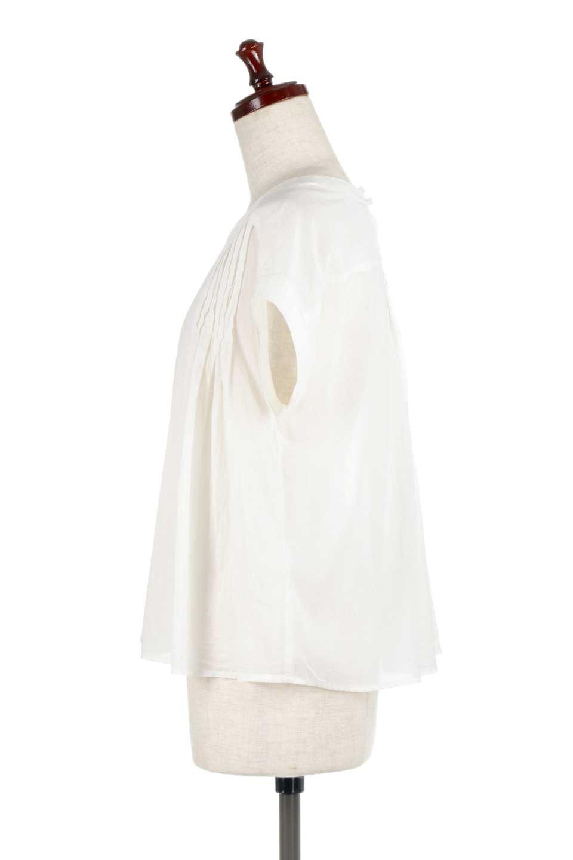 ShortSleeveTuckBlouseタック入り・半袖ブラウス大人カジュアルに最適な海外ファッションのothers(その他インポートアイテム)のトップスやシャツ・ブラウス。前後のタックがアクセントの大きめブラウス。あえてのスケ感がとても可愛いアイテムです。/main-7
