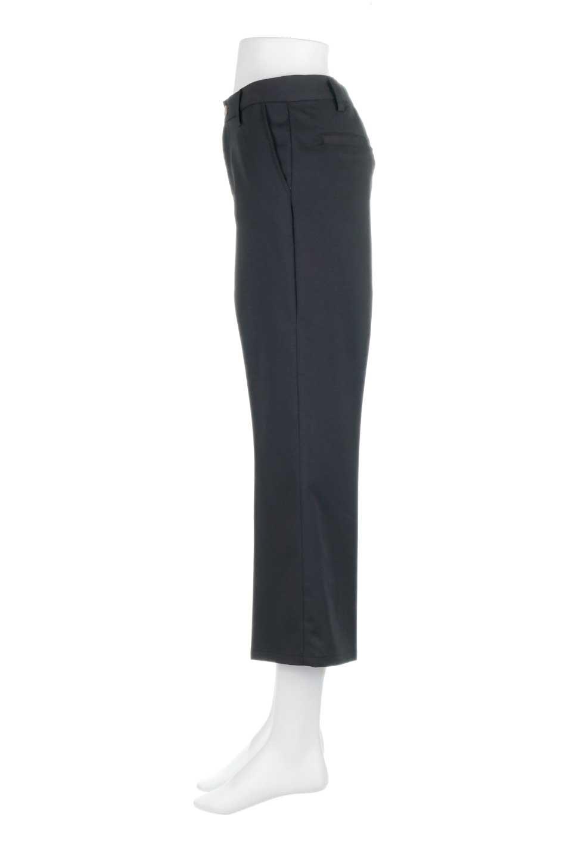 CroppedFlarePantsクロップド・フレアパンツ大人カジュアルに最適な海外ファッションのothers(その他インポートアイテム)のボトムやパンツ。程よい丈の長さのクロップドぱパンツ。膝から裾にかけてのフレアが綺麗なアイテムです。/main-17