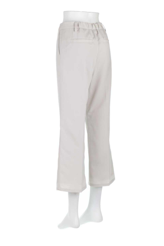 CroppedFlarePantsクロップド・フレアパンツ大人カジュアルに最適な海外ファッションのothers(その他インポートアイテム)のボトムやパンツ。程よい丈の長さのクロップドぱパンツ。膝から裾にかけてのフレアが綺麗なアイテムです。/main-7