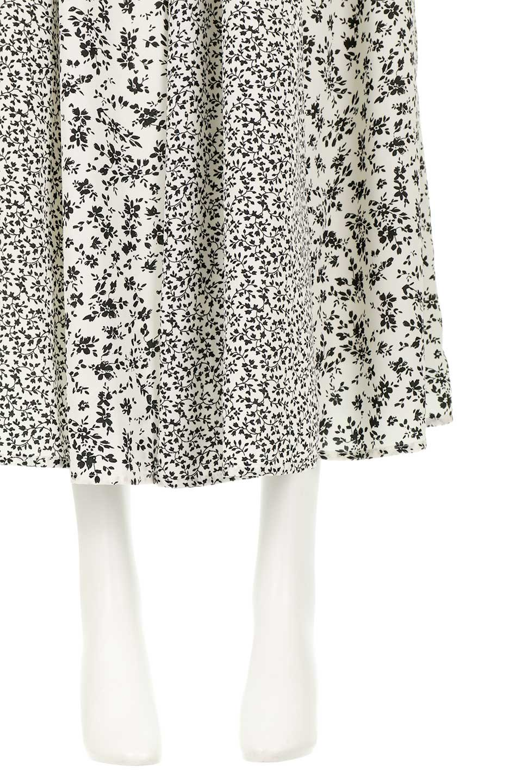 FloralPrintedPanelSkirt花柄・パネル切り替えスカート大人カジュアルに最適な海外ファッションのothers(その他インポートアイテム)のボトムやスカート。2種類の花柄プリントが可愛いマキシスカート。薄手でサラサラとした肌触りの生地で涼しげなスカートです。/main-9