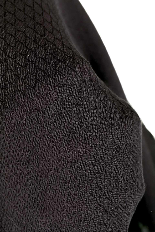 LOVESTITCHのCarineCrochetSleeveJumpsuitカットレーススリーブ・ブラックジャンプスーツ/海外ファッションが好きな大人カジュアルのためのLOVESTITCH(ラブステッチ)のボトムやロンパース類。カジュアルでありながらキリッとクールな雰囲気のジャンプスーツ。大人っぽく色っぽいブラックカジュアル好きにはたまらないアイテムです。/main-16