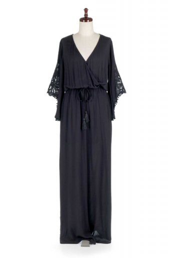 LOVESTITCHのCarine Crochet Sleeve Jumpsuit カットレーススリーブ・ブラックジャンプスーツ / 大人カジュアルに最適な海外ファッションが得意な福島市のセレクトショップbloom
