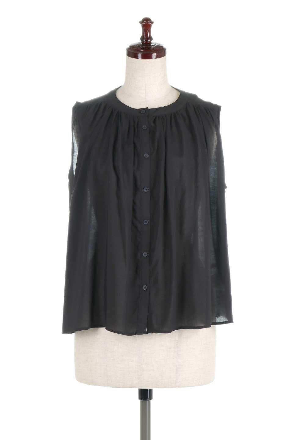 SleevelessGatheredBlouseノースリーブ・ギャザーブラウス大人カジュアルに最適な海外ファッションのothers(その他インポートアイテム)のトップスやシャツ・ブラウス。前後のギャザーのドレープ感がカワイイ、ノースリーブブラウス。夏に最適な薄手の素材でたっぷりとしたボリューム感のあるブラウスです。/main-10