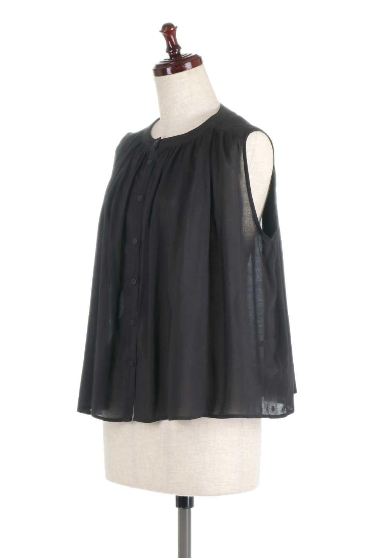 SleevelessGatheredBlouseノースリーブ・ギャザーブラウス大人カジュアルに最適な海外ファッションのothers(その他インポートアイテム)のトップスやシャツ・ブラウス。前後のギャザーのドレープ感がカワイイ、ノースリーブブラウス。夏に最適な薄手の素材でたっぷりとしたボリューム感のあるブラウスです。/main-11