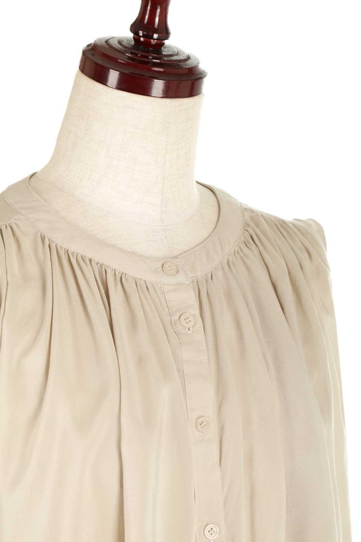 SleevelessGatheredBlouseノースリーブ・ギャザーブラウス大人カジュアルに最適な海外ファッションのothers(その他インポートアイテム)のトップスやシャツ・ブラウス。前後のギャザーのドレープ感がカワイイ、ノースリーブブラウス。夏に最適な薄手の素材でたっぷりとしたボリューム感のあるブラウスです。/main-15