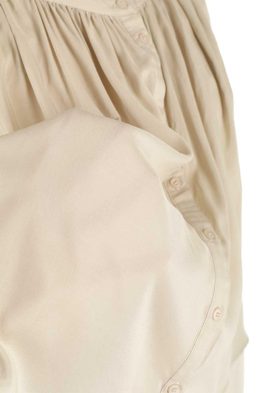 SleevelessGatheredBlouseノースリーブ・ギャザーブラウス大人カジュアルに最適な海外ファッションのothers(その他インポートアイテム)のトップスやシャツ・ブラウス。前後のギャザーのドレープ感がカワイイ、ノースリーブブラウス。夏に最適な薄手の素材でたっぷりとしたボリューム感のあるブラウスです。/main-22
