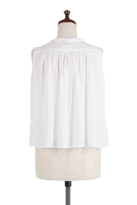 SleevelessGatheredBlouseノースリーブ・ギャザーブラウス大人カジュアルに最適な海外ファッションのothers(その他インポートアイテム)のトップスやシャツ・ブラウス。前後のギャザーのドレープ感がカワイイ、ノースリーブブラウス。夏に最適な薄手の素材でたっぷりとしたボリューム感のあるブラウスです。/main-9