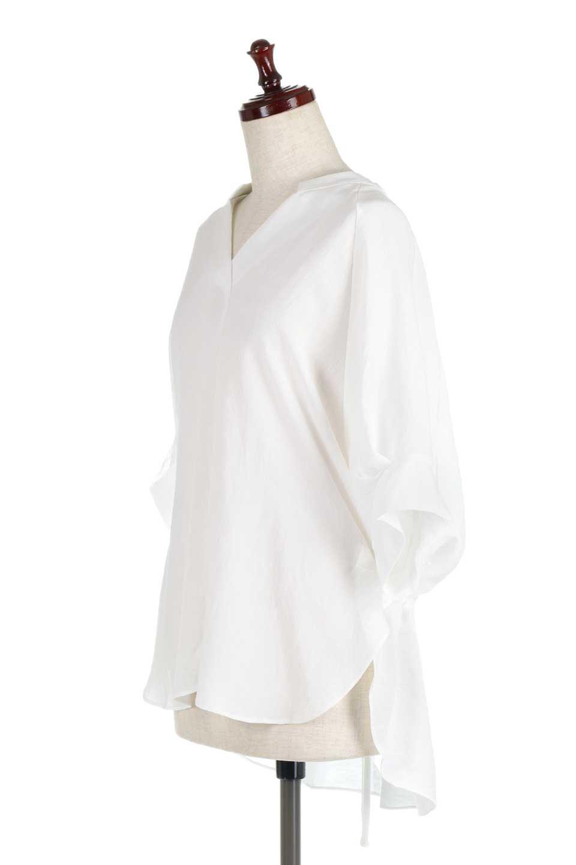 DolmanSleeveBackTiedBlouseドルマンスリーブ・バックリボンブラウス大人カジュアルに最適な海外ファッションのothers(その他インポートアイテム)のトップスやシャツ・ブラウス。バックスリットデザインとドロストのギャザー感が後ろ姿も美しく見せてくれるドルマンブラウス。程よいネックの抜け感が今年らしいトップス。/main-6