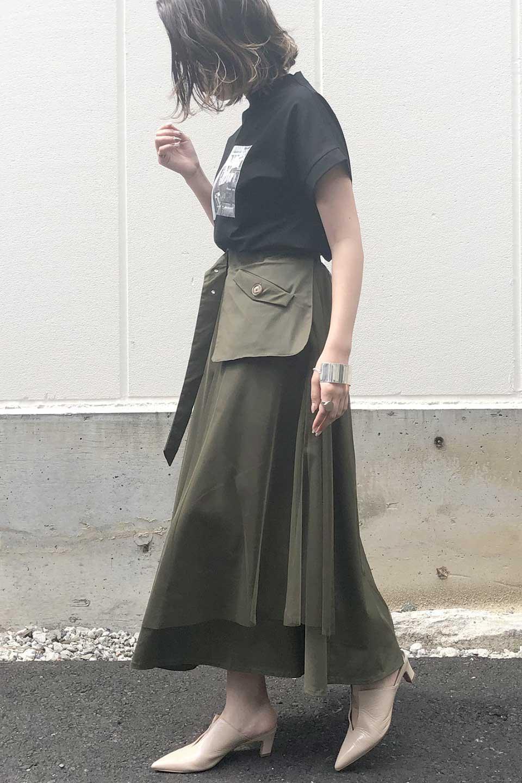 TulleLayeredLongSkirtチュールレイヤード・ロングスカート大人カジュアルに最適な海外ファッションのothers(その他インポートアイテム)のボトムやスカート。チュールとチノ素材のレイヤード・ロングスカート。ミリタリーやワーク系のディテールを透け感のあるチュールが優しく包んだスカートです。/main-14