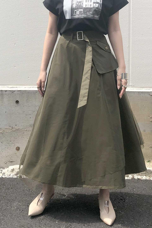 TulleLayeredLongSkirtチュールレイヤード・ロングスカート大人カジュアルに最適な海外ファッションのothers(その他インポートアイテム)のボトムやスカート。チュールとチノ素材のレイヤード・ロングスカート。ミリタリーやワーク系のディテールを透け感のあるチュールが優しく包んだスカートです。/main-15