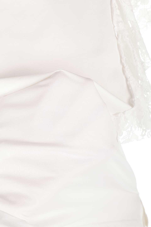 AsymmetricalRuffleBlouseアシメントリー・ラッフルブラウス大人カジュアルに最適な海外ファッションのothers(その他インポートアイテム)のトップスやシャツ・ブラウス。左側にレースを配したアシメントリーなブラウス。いつものカジュアルコーデから、キレイめ大人コーデまで様々なシチュエーションで楽しめるブラウスです。/main-17