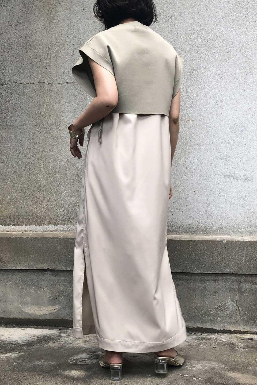 SummerKnitLayeredMaxiDressサマーニット・レイヤードワンピース大人カジュアルに最適な海外ファッションのothers(その他インポートアイテム)のワンピースやマキシワンピース。サマーニットベストとの重ね着が可愛いレイヤードマキシワンピース。コンサバ感の中にも色気を感じるサイドスリットがポイント。/main-14