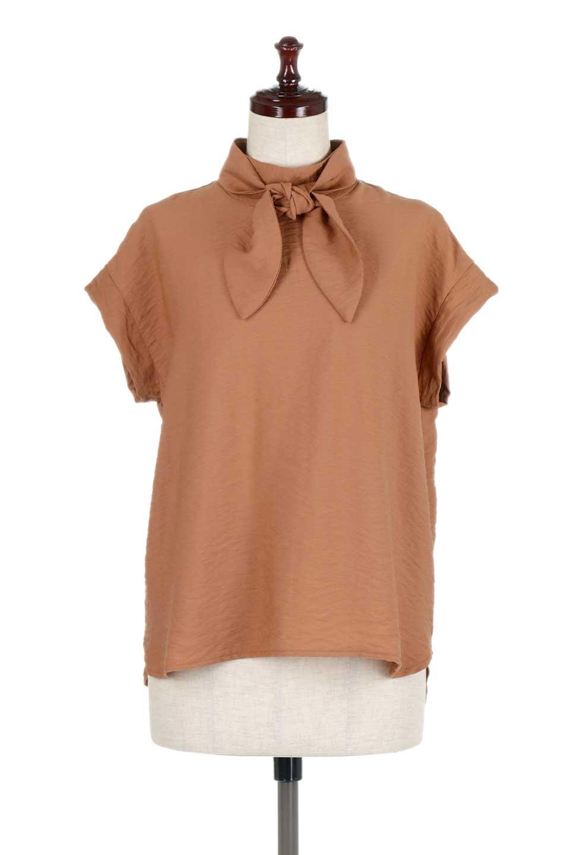 RibbonTiedHighNeckBlouseスカーフネックブラウス大人カジュアルに最適な海外ファッションのothers(その他インポートアイテム)のトップスやシャツ・ブラウス。話題のスカーフネックがポイントのブラウス。暑い時期にちょうどよい張りのある生地は風通しもよく涼し気なアイテムです。/main-10